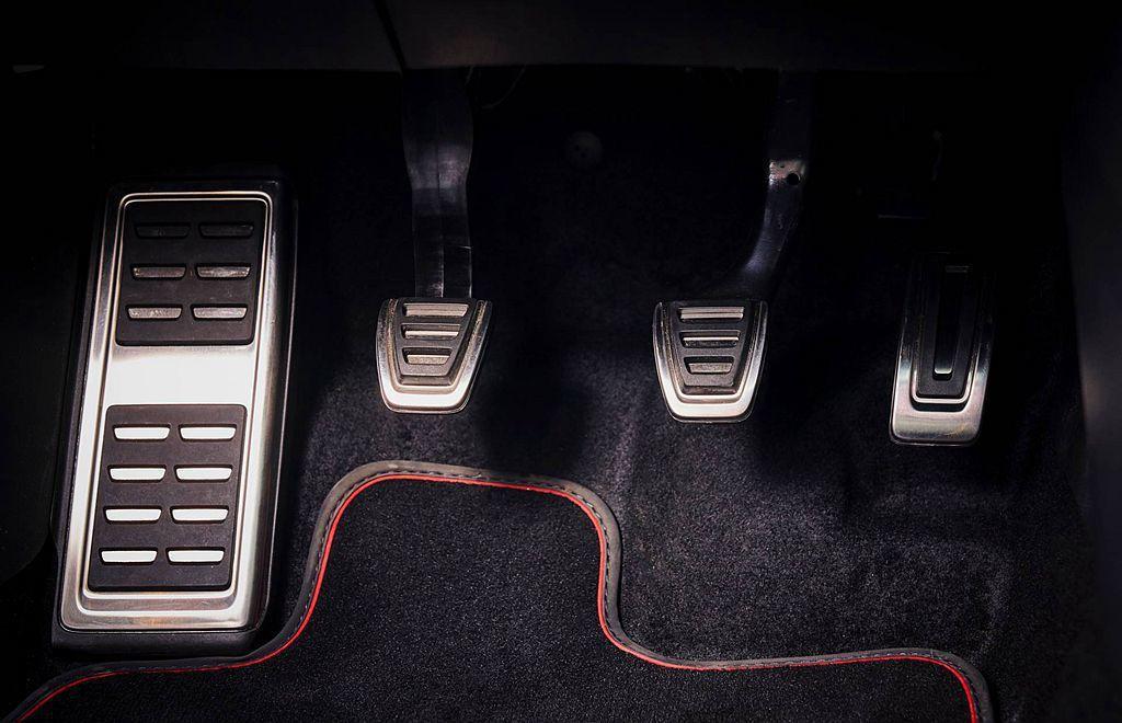 手排變速系統反而成為歹徒的痛點。 圖/Volkswagen提供