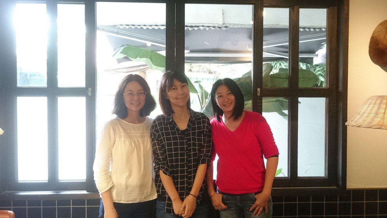 一群全職媽媽投入咖啡廳經營團隊,兼顧育兒又圓創業夢。記者潘乃欣/攝影
