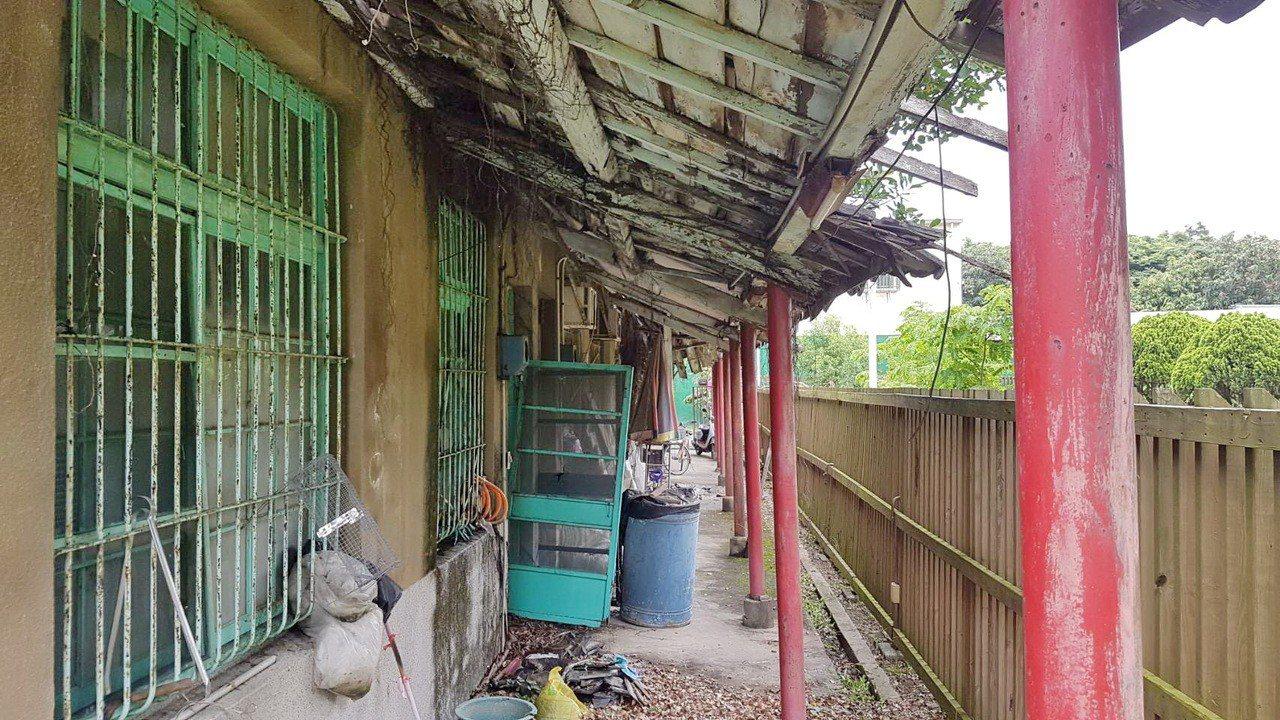 早年的水廠主管宿舍面臨被拆。記者蔡維斌/攝影