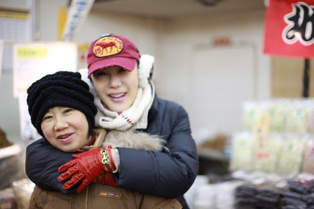 利菁和媽媽。圖/伊林提供
