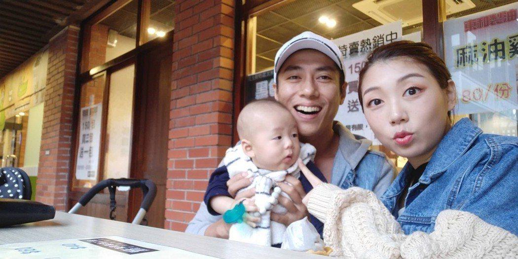 莊凱勛在新加坡拍戲,未免相思苦,妻兒也跟著陪拍戲。圖/凱渥提供