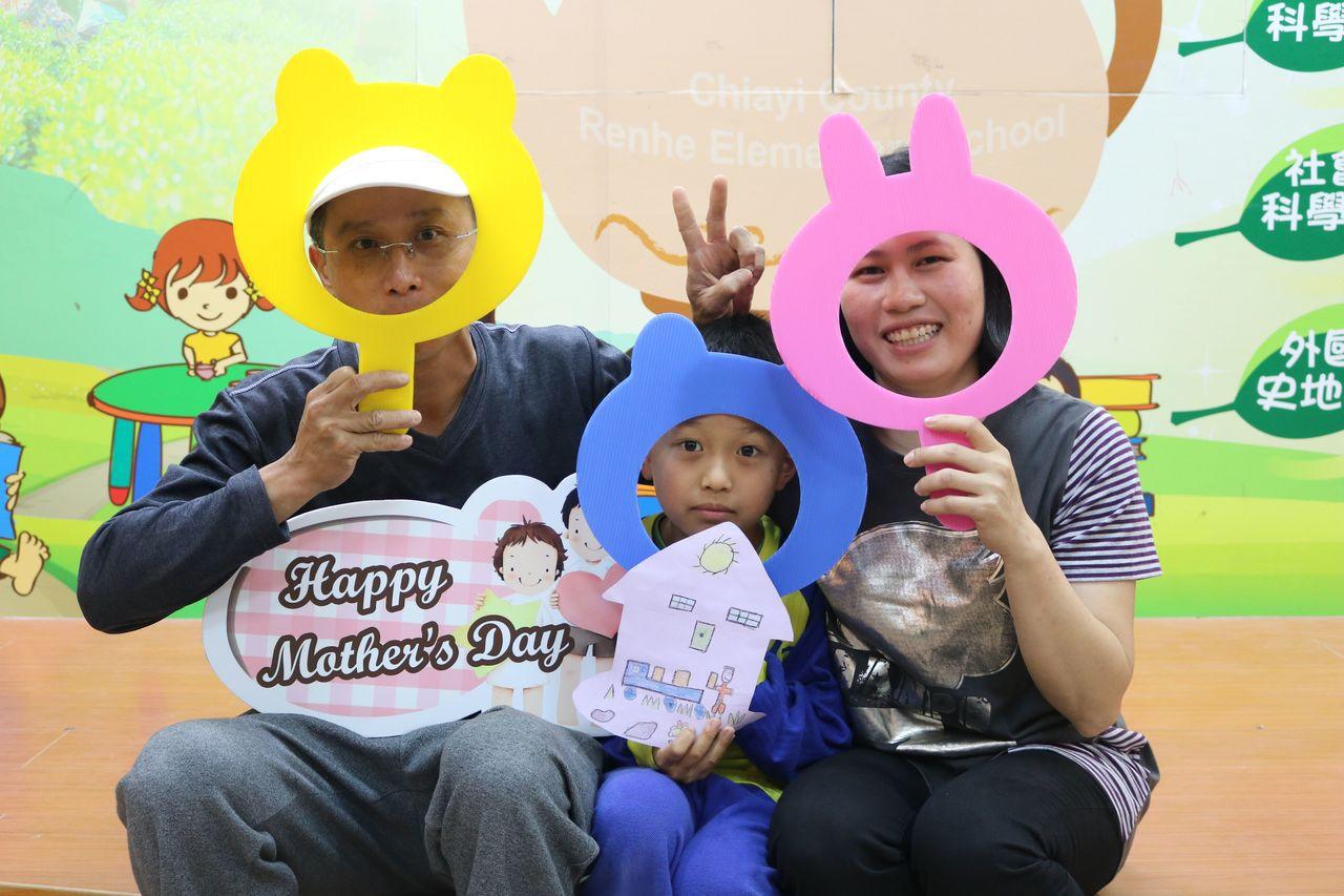 家長們熱情參與。圖/仁和國小提供