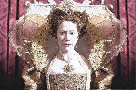 懷舊時代劇像「唐頓莊園」、「王冠」等,不但吸引收視話題,也在獎項上無往不利,劇中人物的服裝、配飾,更是部分觀眾欣賞的焦點。時尚潮流數百年來歷經不少改變,由時尚史專家莉蒂亞愛德華所寫的「古典洋裝全圖解...