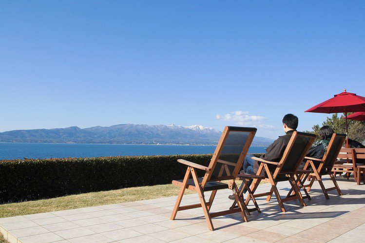 整片的無敵海景,正是shimafumi的招牌特色。記者陳睿中/攝影