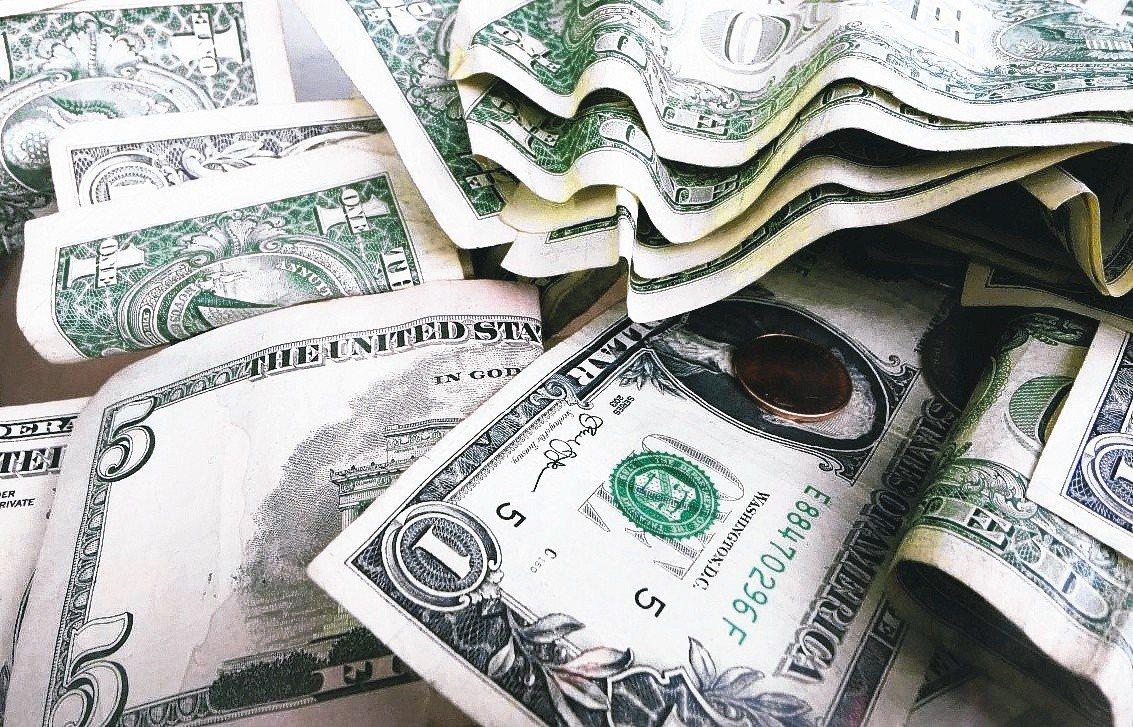 美國對中國進口的產品加徵關稅。 美聯社