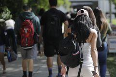學貸太沉重 半數大學生窮到餓肚子