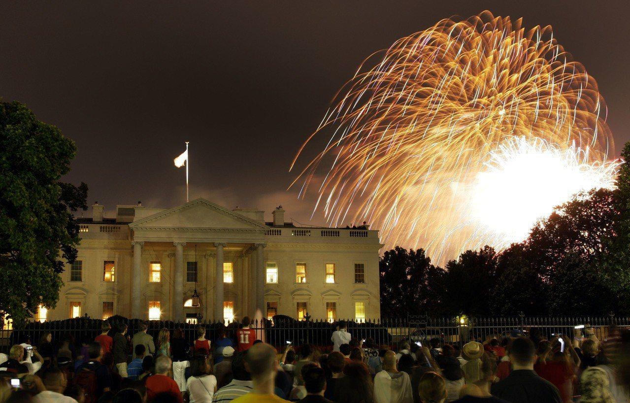 川普接管今年美國國慶日慶祝活動,宣稱要盛大慶祝。 美聯社