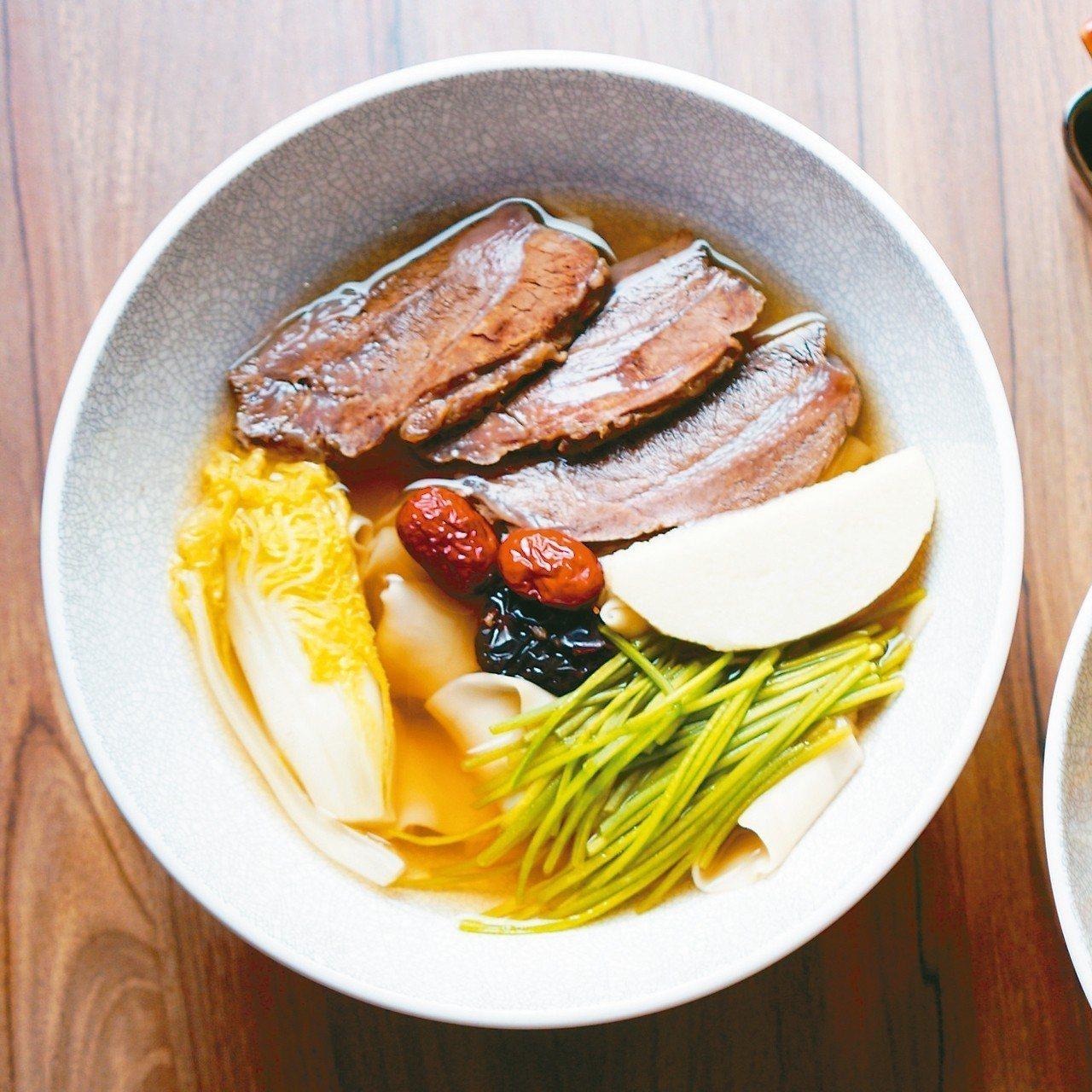清燉牛肉麵。 圖/柴米夫妻提供