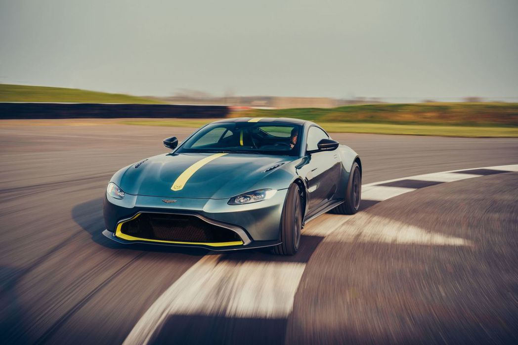 Vantage AMR採用7速狗腿式排檔手排變速箱。 摘自Aston Marti...