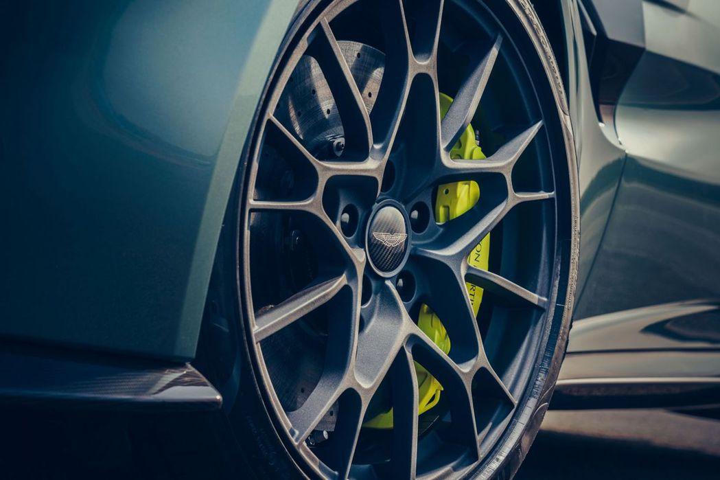 Vantage AMR煞車卡鉗的顏色都有做搭配。 摘自Aston Martin