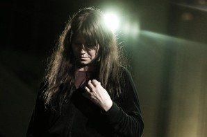 當美成了負擔,她選擇親手摧毀——地下絲絨之後的Nico