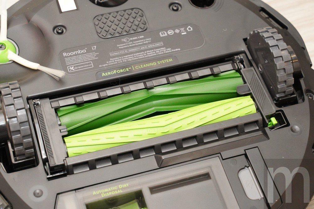 採「一刮一斬雙效新版雙膠刷」設計的主刷,以專利滾輪雙膠刷以反向高速旋轉,一刮一斬...