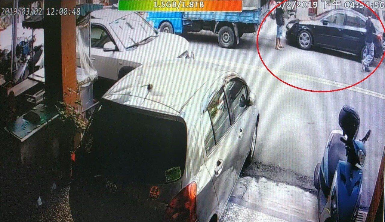 台中市林姓男子3月初開貨車擦撞賴姓女子的轎車,警方循線通知他到案,並依法裁罰。記...