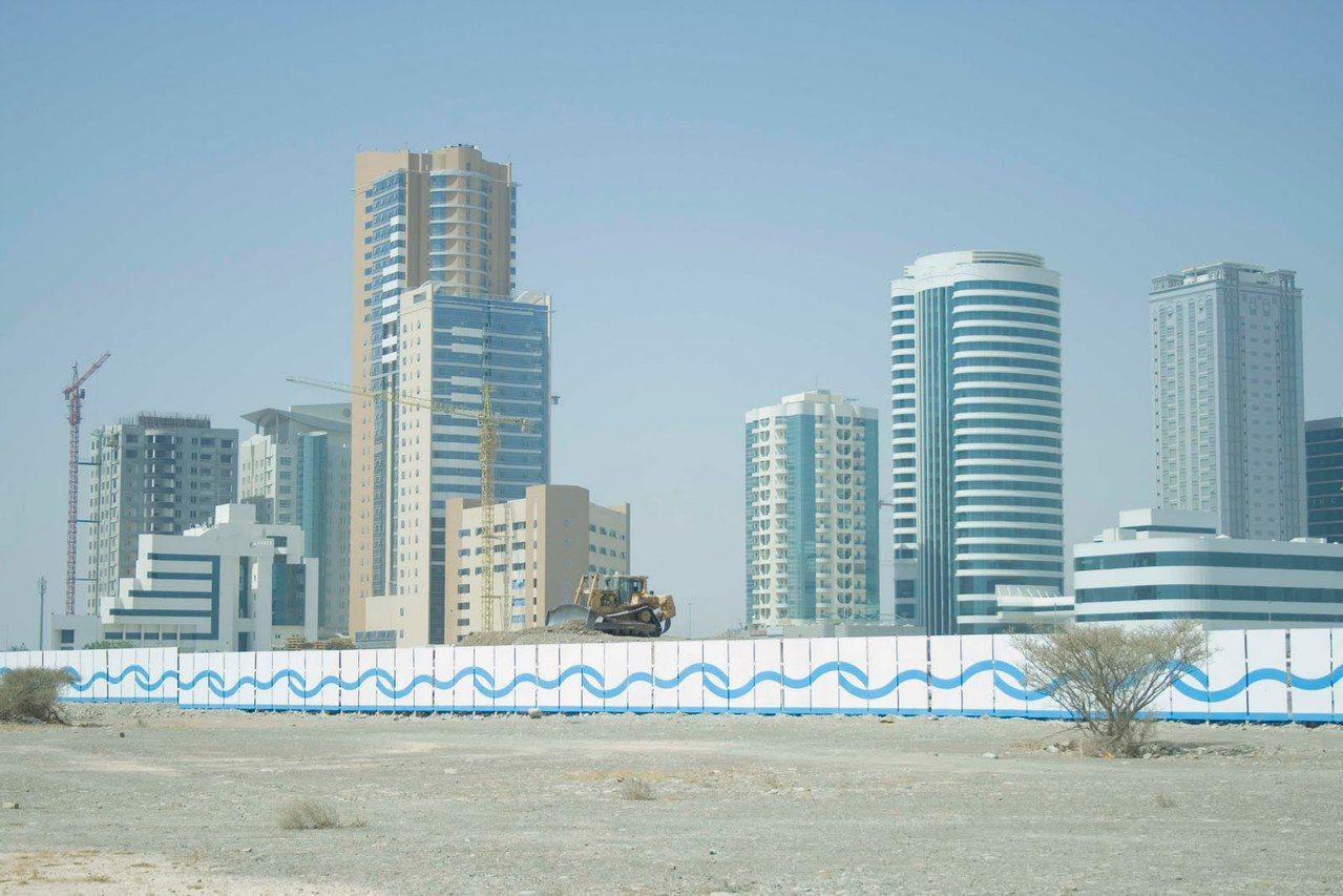 阿拉伯聯合大公國七個酋長國之一「富吉拉」景象。圖╱取自網路