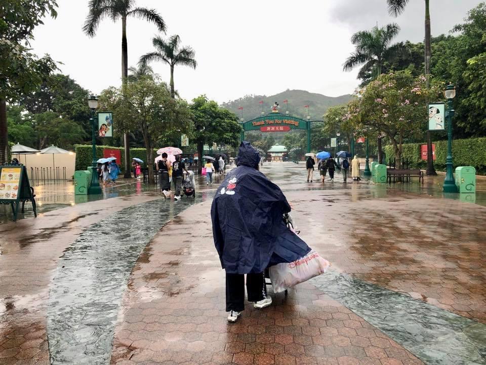 徐若瑄帶兒子Dalton到香港迪士尼慶祝母親節。圖/摘自IG