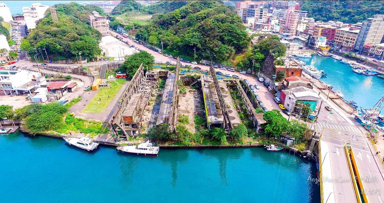 水八線的終點,阿根納造船廠,礦砂從這裡運去日本。圖/空中攝影張東隆提供