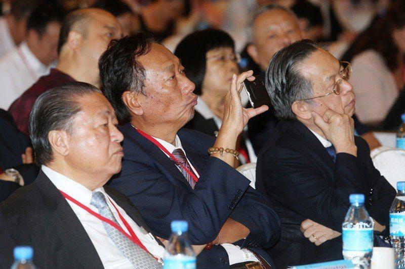 郭台銘也向國民黨建議,總統初選民調應納入手機用戶。 圖/聯合報系資料照