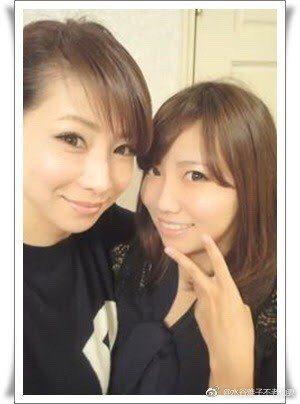 水谷雅子與女兒。圖/擷自微博