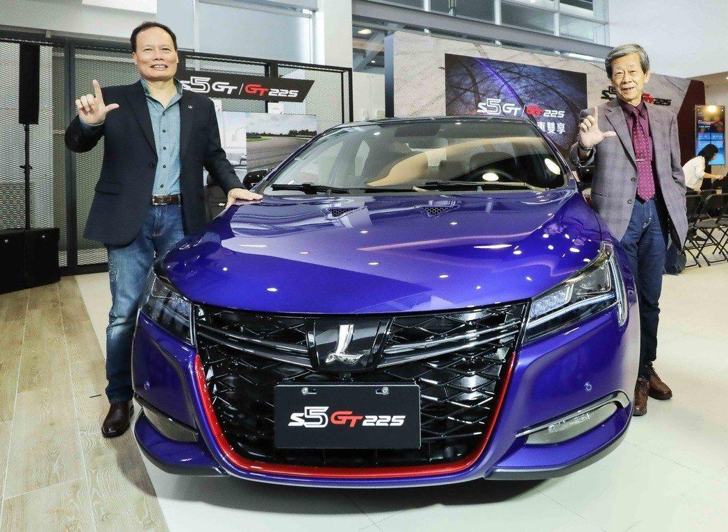 華創車電資深副總水野和敏(右)精心調校,S5 GT225 0-100公里加速僅需...