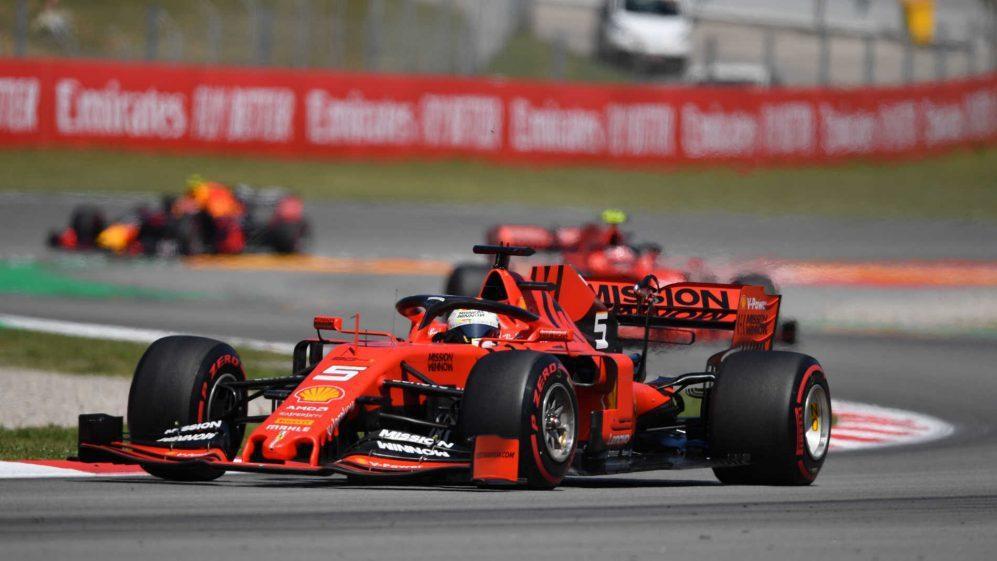 Vettel受限於輪胎受損跑的相當掙扎。 摘自F1