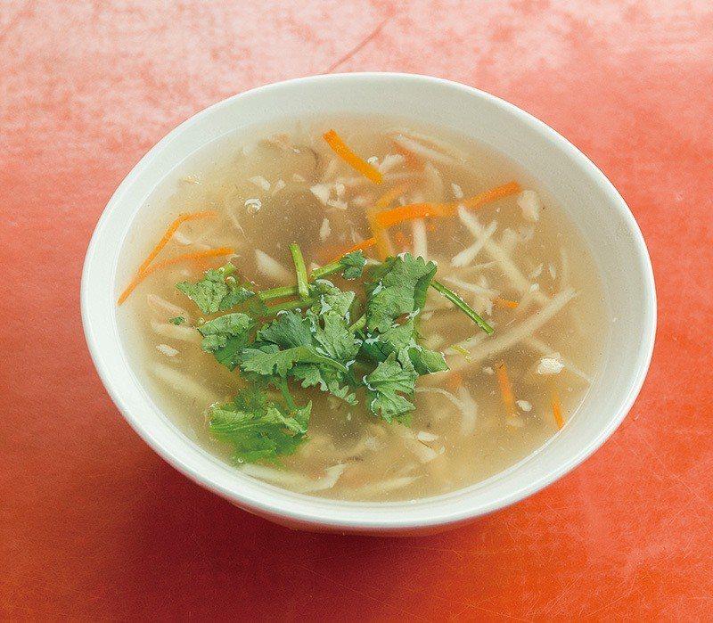 肉羹湯45元/清爽羹湯搭配美味肉羹,簡單小吃令人滿足。