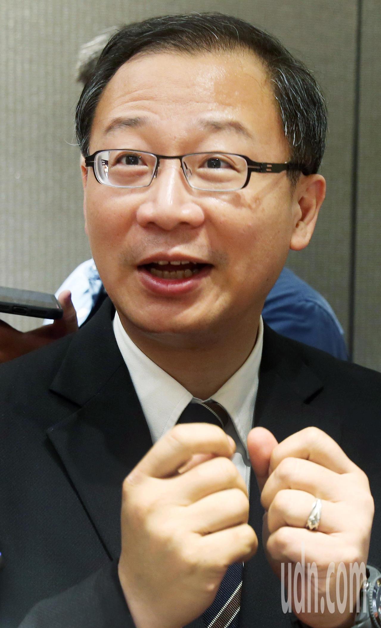 中華職棒會長吳志洋今宣布味全龍加盟案。記者邱德祥/攝影