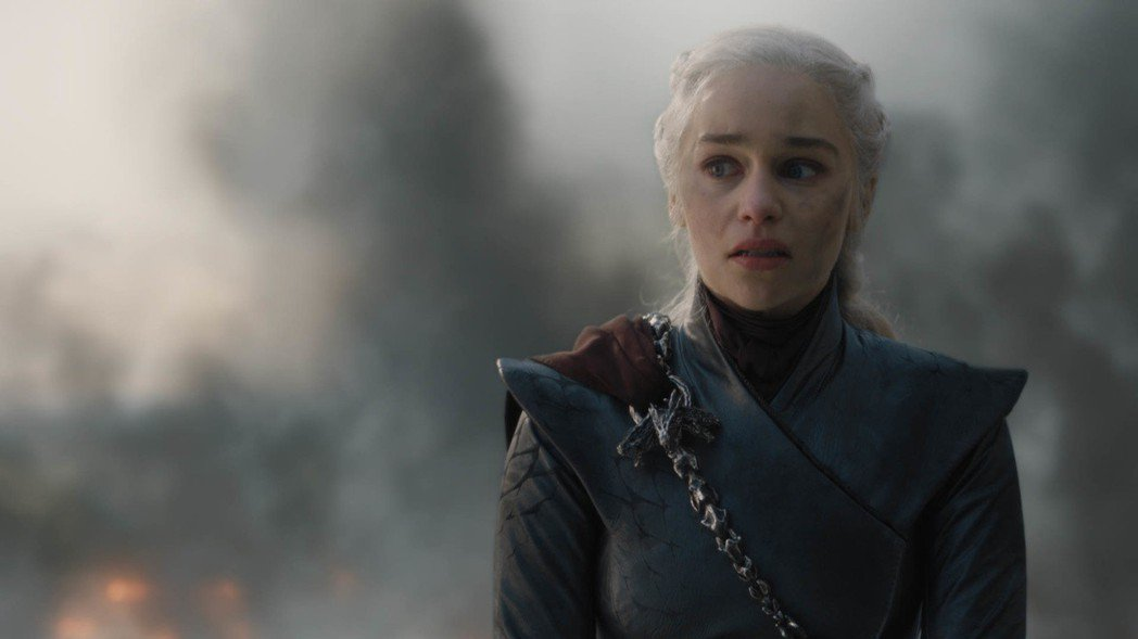 「龍后」丹妮莉絲黑化,忠實影迷難以接受。圖/HBO提供