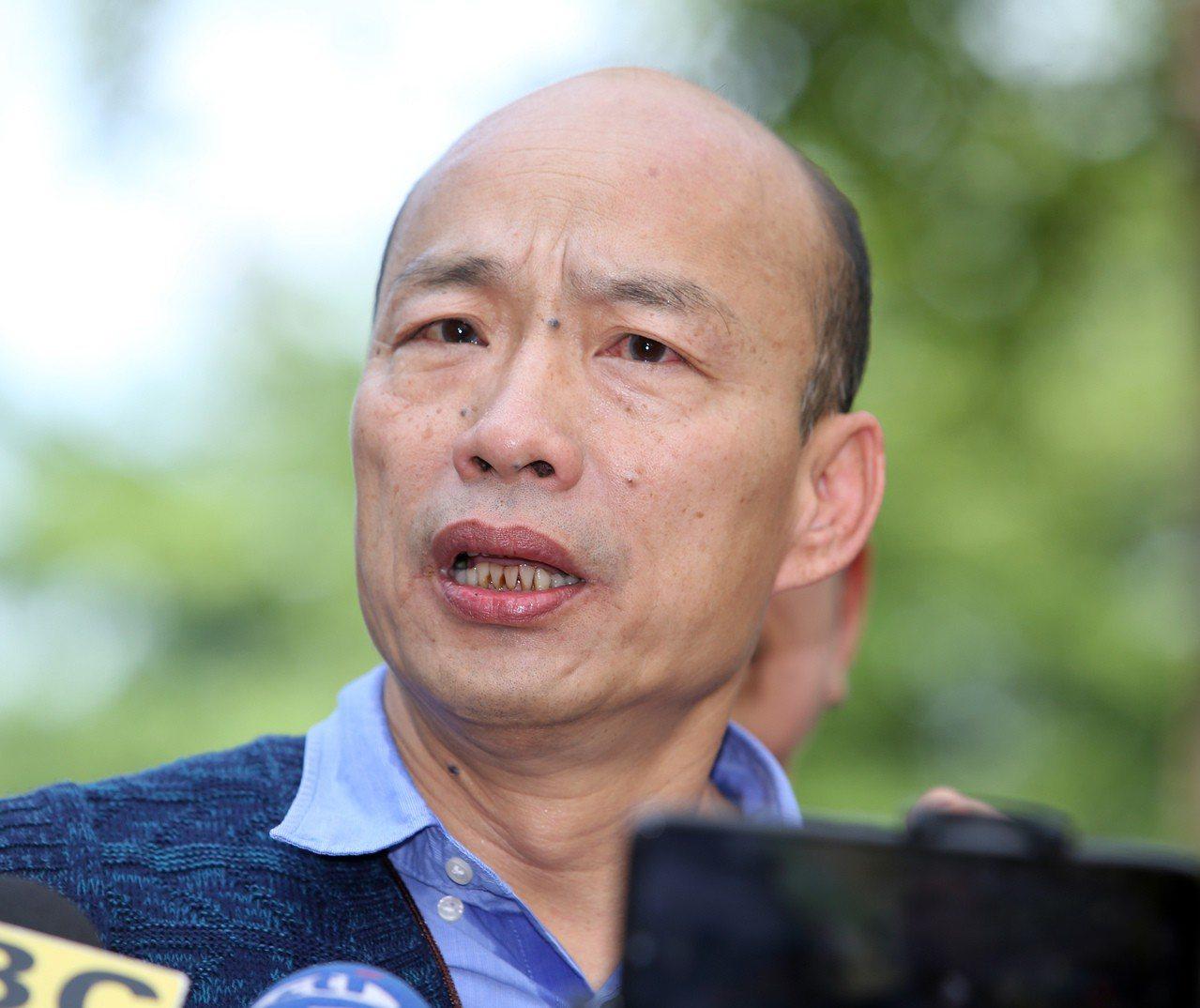 高雄市長韓國瑜遭到民進黨鋪天蓋地攻擊,議會綠營也招數不斷,韓國瑜說,他不在乎被抹...