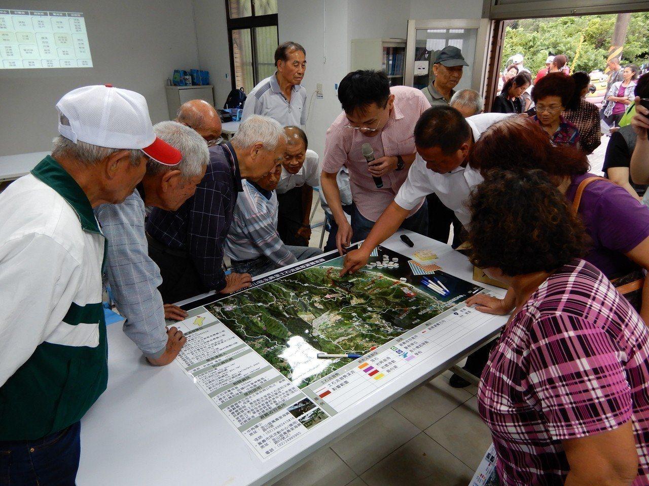 新北市農業局特地設立土石流防災資訊LINE專屬帳號,能夠在災害來臨時,即時獲取土...