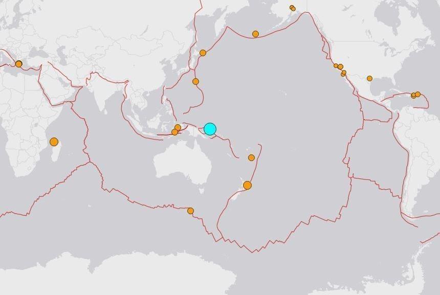 巴布亞紐幾內亞外海當地時間14日晚間8時58分發生規模7.5強震。 圖/擷自US...