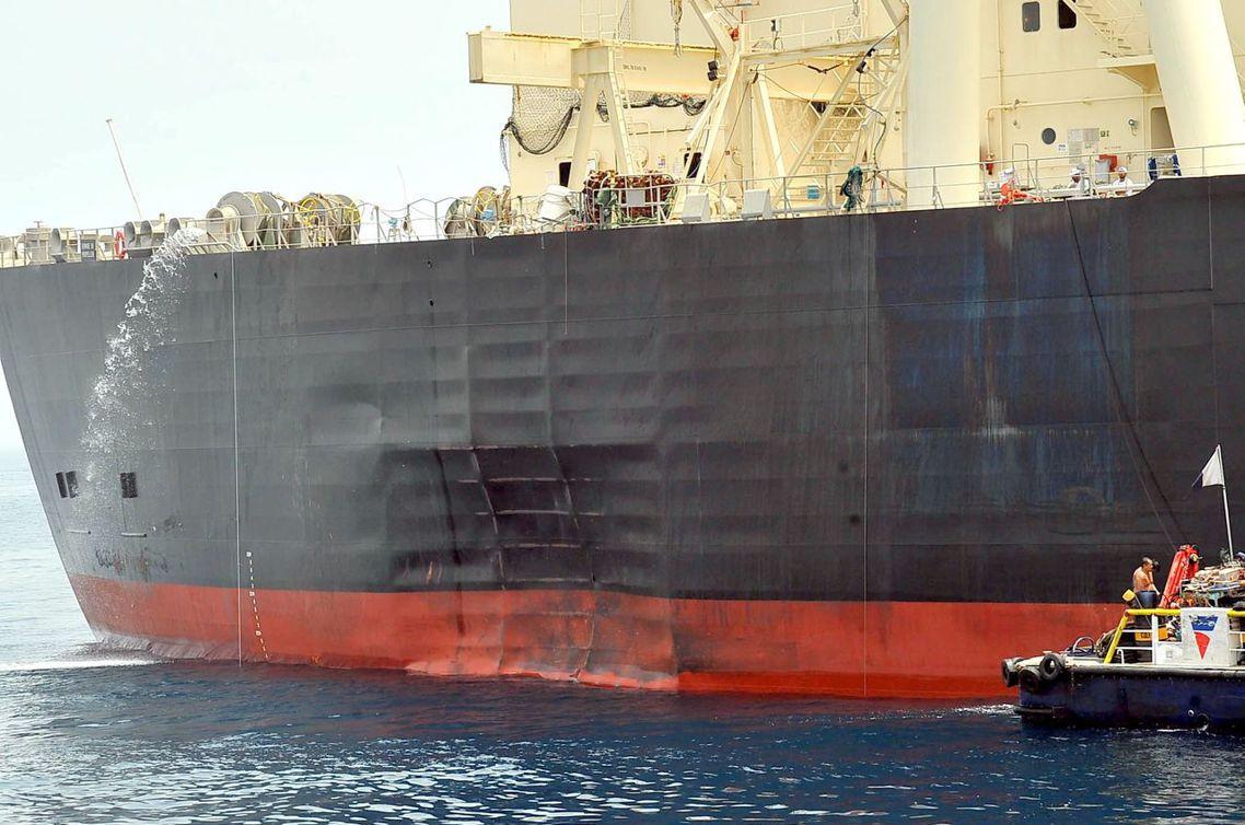 2010年7年,日本三井集團的M Star號油輪,同樣在UAE的富吉拉港遭遇「突...