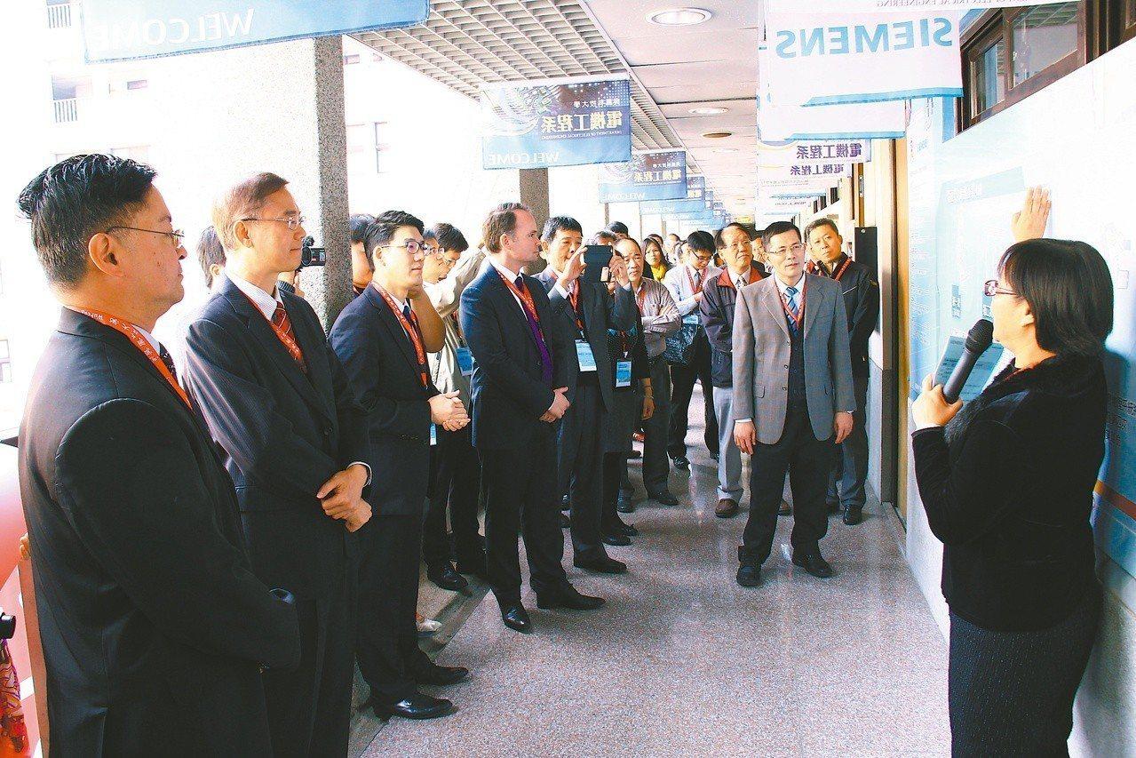 吳鳳科大不斷投入大量經費提升教學設備。圖/吳鳳科技大學提供
