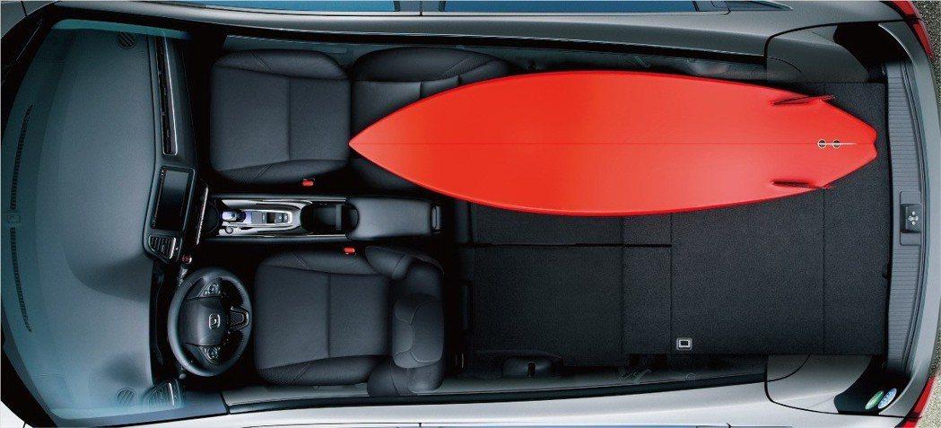 Honda獨步車壇的ULTRA SEAT多變座椅,實現超乎想像的空間變化。 圖/...