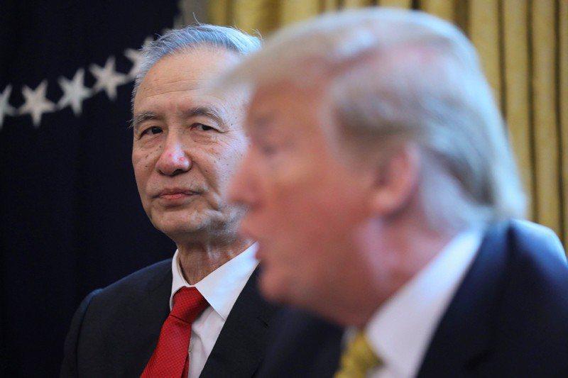 4月4日,川普在白宮接見劉鶴。 圖/美聯社