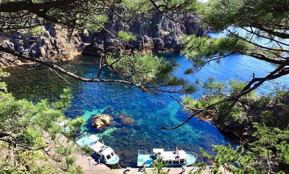 佐渡島上獨特的奇岩景觀。 蕭嘉麟/提供