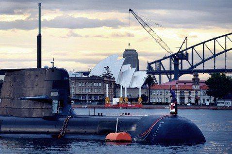 澳洲近年為圍堵中國,拉起法律防線,也讓中澳關係陷入僵持。但國防靠美國,市場靠中國...