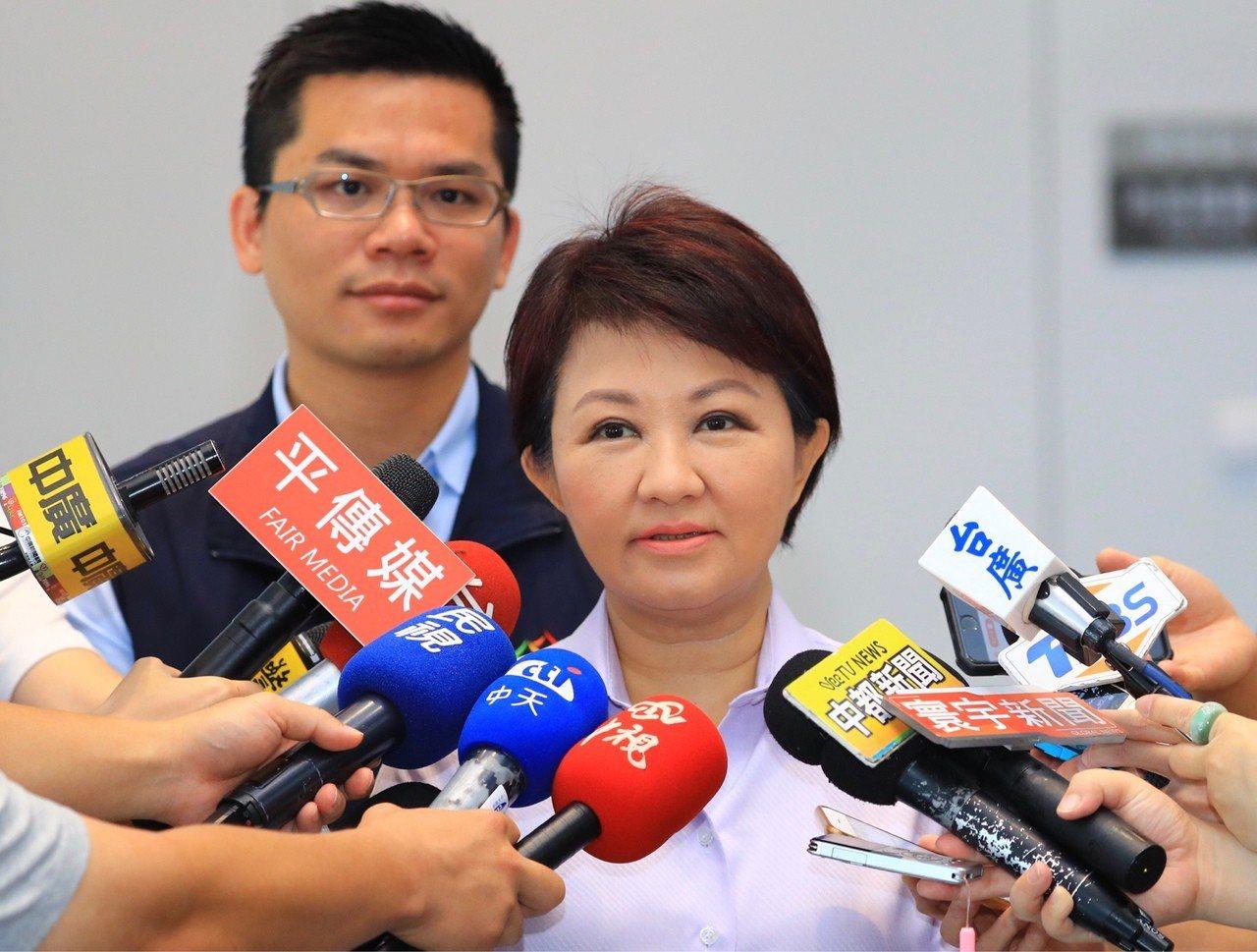 高雄市長韓國瑜拋出總統在高雄辦公的想法,台中市長盧秀燕今早說,不要忘記在台中設總...