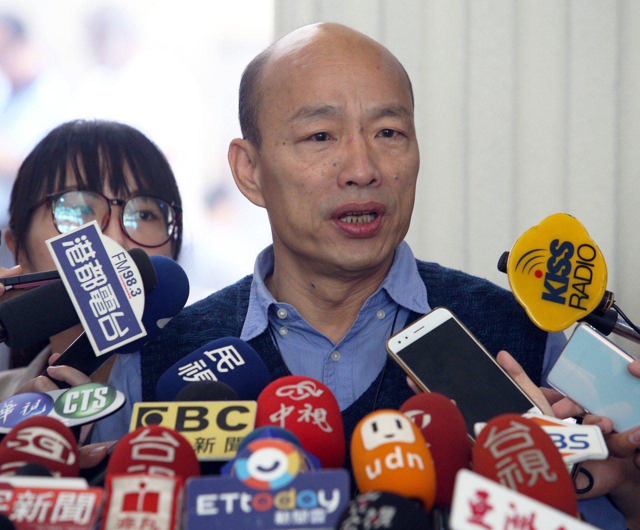 高市長韓國瑜上午在議會受訪。記者劉學聖/攝影