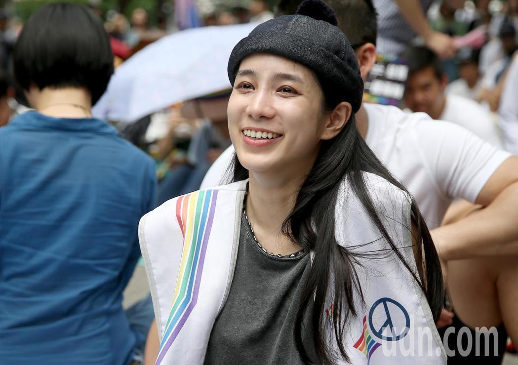 立法院今天針對同性婚姻法案進行朝野協商,曾獲金鐘獎迷你劇集最佳女主角的演員温貞菱