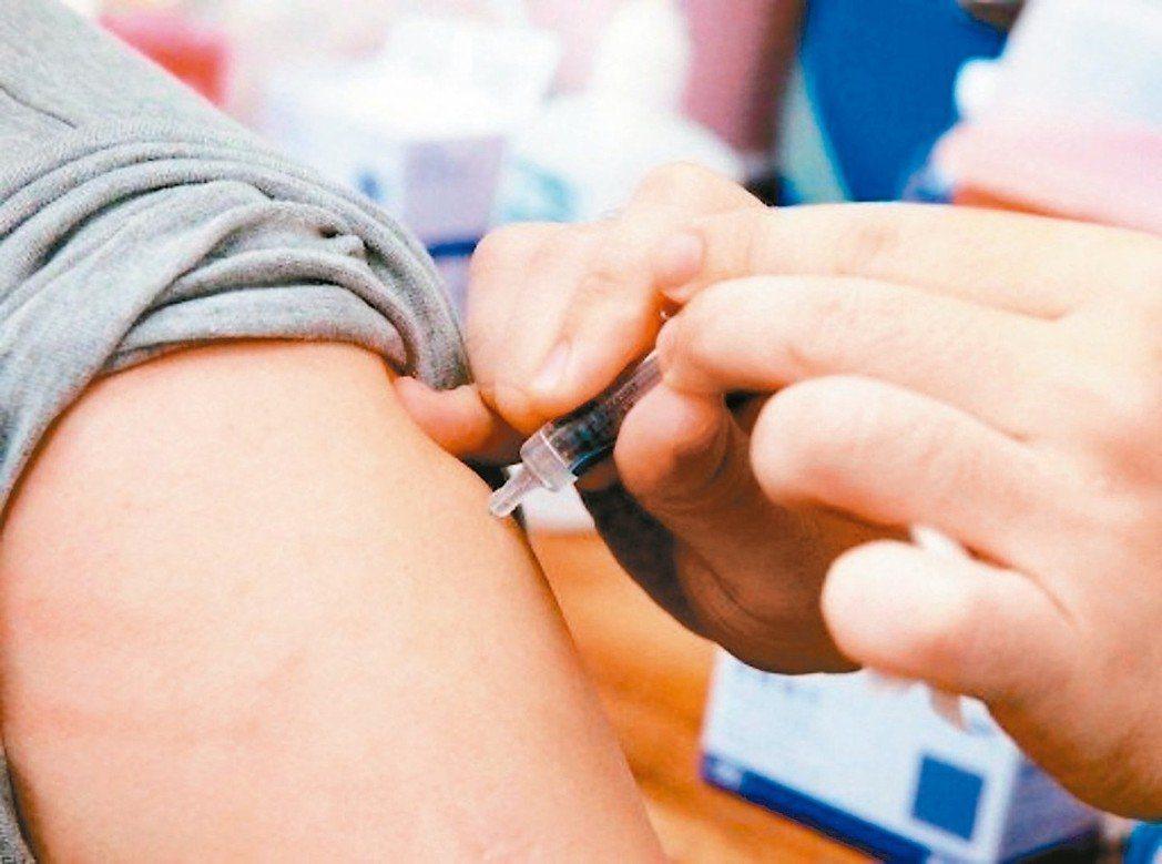 中國問題疫苗隱憂再現,圖為施打疫苗示意圖。聯合報系資料照片