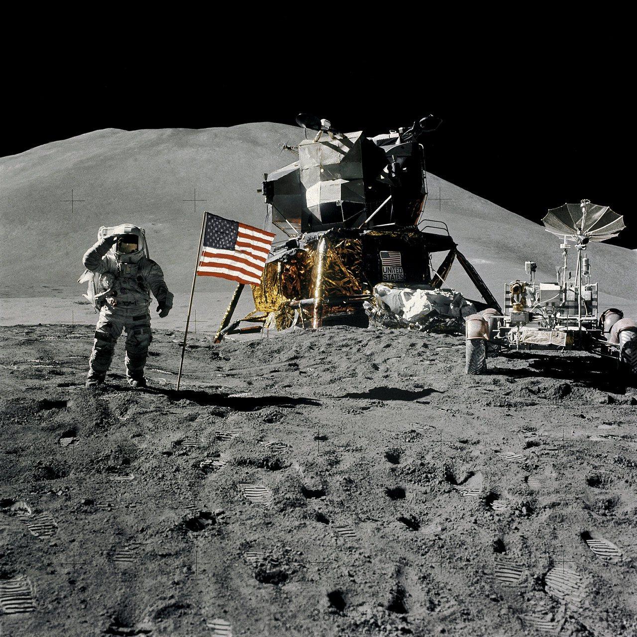 美國阿波羅計畫在1961年至1972年共登月六次,圖為1971年8月1日太空人艾...