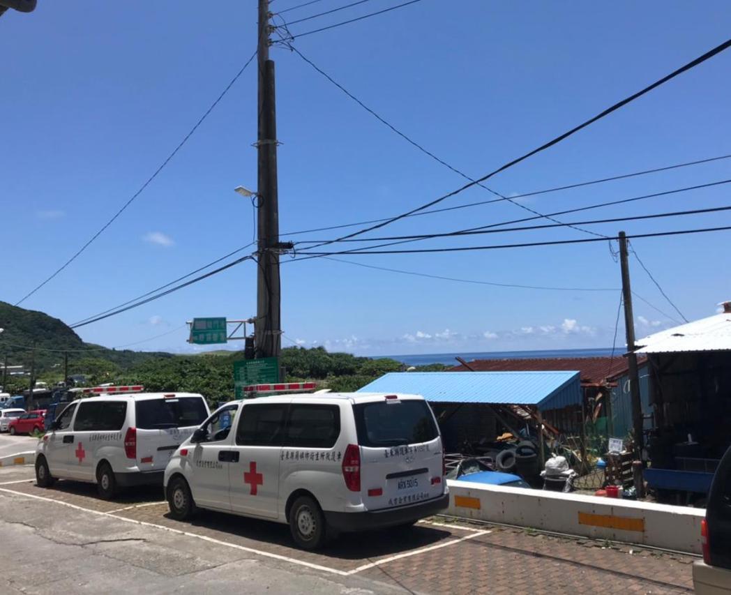 蘭嶼即將進入旅遊旺季,因應遊客外傷需求,高醫派駐初期將以外科系團隊為主,接下來還...