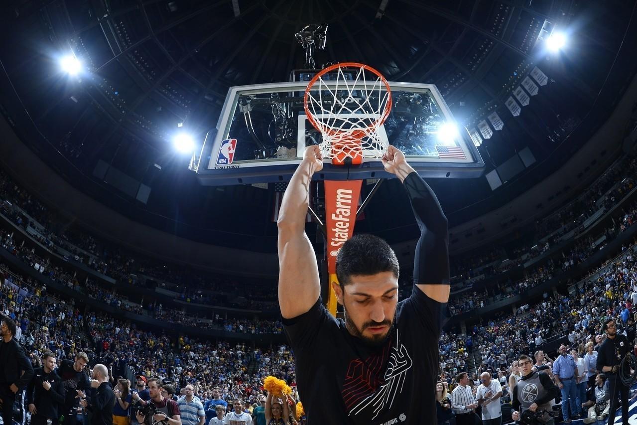 土耳其抵制拓荒者中鋒康特,NBA官方轉播單位S Sport因此拒播勇士與拓荒者的...