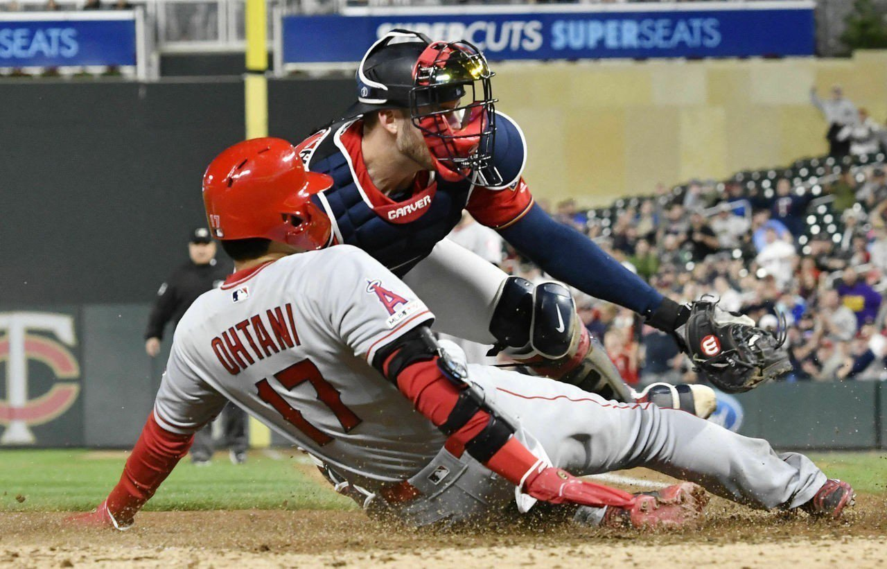 大谷雖敲出猛打賞,但跑壘上卻兩度出局在壘包間,其中一次還是在本壘。 美聯社