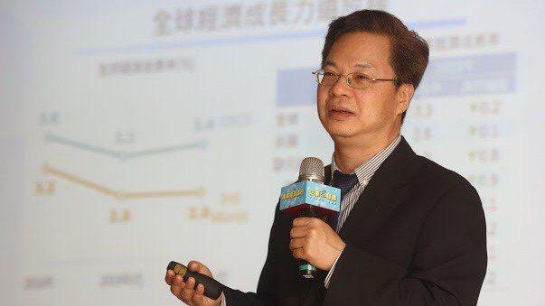龔明鑫提出「非紅」概念以對應中國廠商的「紅色供應鏈」。 圖/聯輔基金會提供