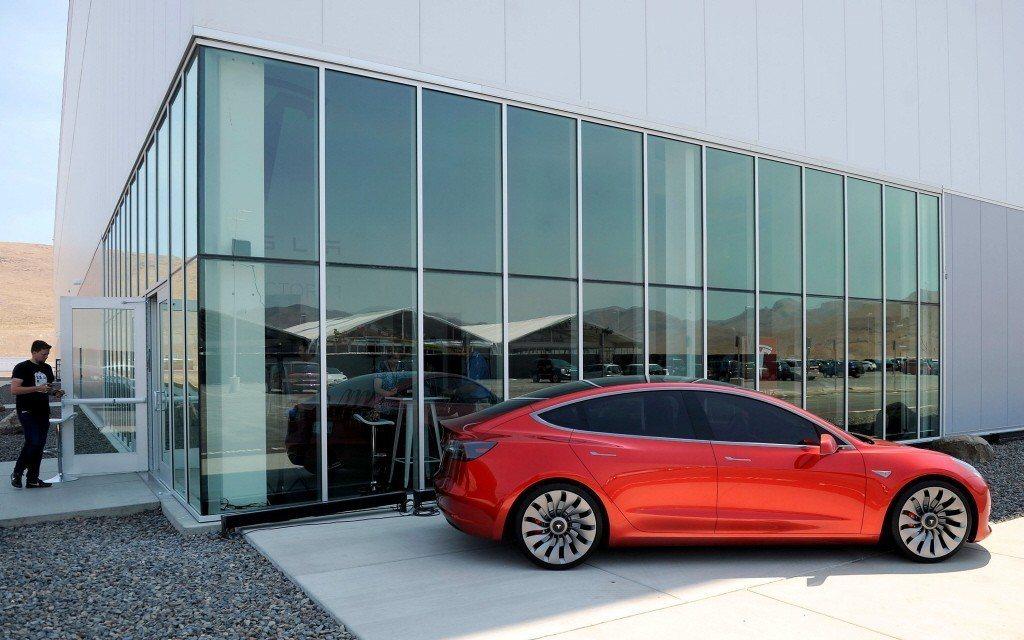在所有電動車裡,來自美國的特斯拉Model 3一枝獨秀,穩居德國人的新車首選。 ...