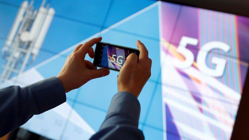 5G時代來臨,通訊、半導體業搶5G人才大戰將開打。 路透
