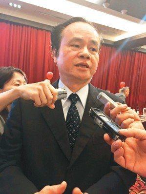 中華郵政總經理陳憲着回應董事長魏健宏被換掉一事。 聯合報系資料照