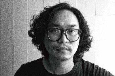 陳廷晉的『工人及漁婦』作品榮獲2006年高雄市國際文化公仔創意展首獎,以挖掘內在...