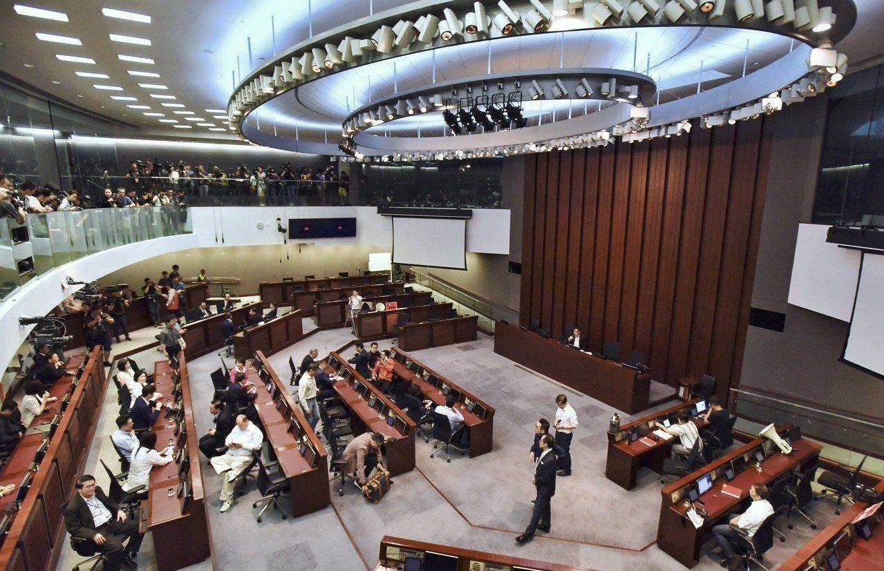 修例爭議 港府拒介入 香港中國通訊社